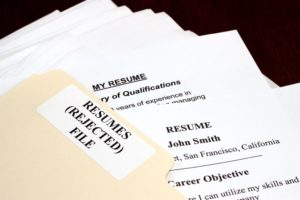 How to evaluate job applications and resumes